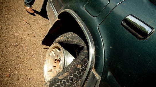 """Flat tire""…"