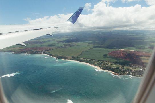 Vue de Mau'i et de l'Océan Pacifique depuis l'avion
