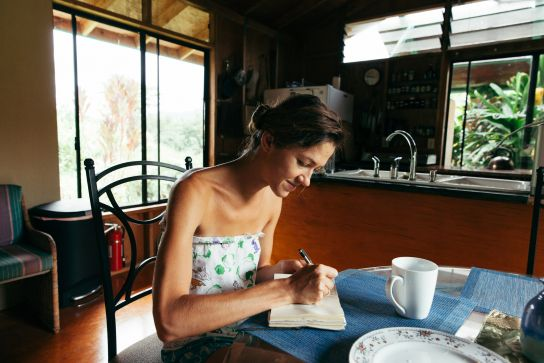 Tetyana journaling, Kauai, Hawaii
