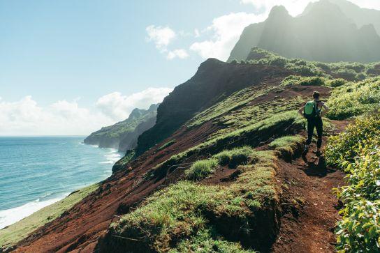 Woman hiking Kalalau Trail, Kalalau Trail, Kaua'i, Hawaii